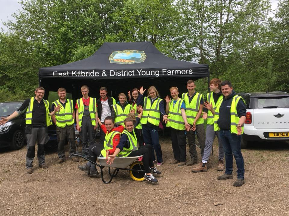 THE EAST KILBRIDE AND DISTRICT YOUNG FARMERS CLUB RECEIVES THE QUEEN'S AWARD FOR VOLUNTARY SERVICE